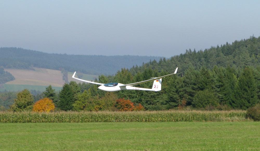 ASG 29 beim Landeanflug 06